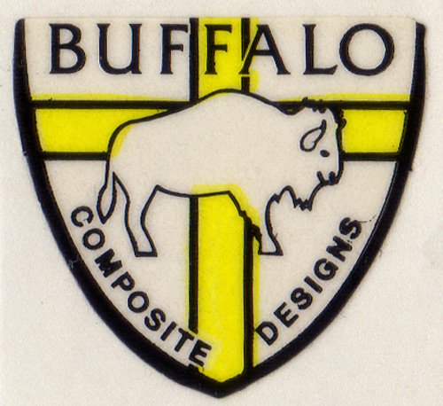BUFFALO COMPOSITE DESIGNS(バッファローコンポジットデザインズ)ロゴステッカー(ブラック / イエロー)