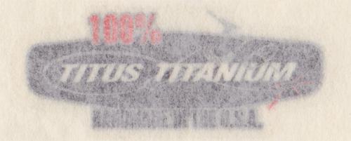 TITUS(タイタス)TITANIUM ロゴステッカー